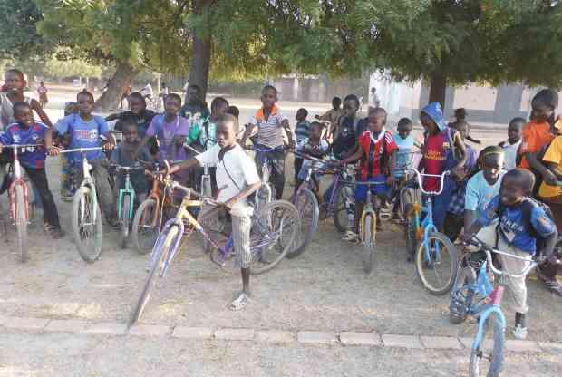 Garçons vélos